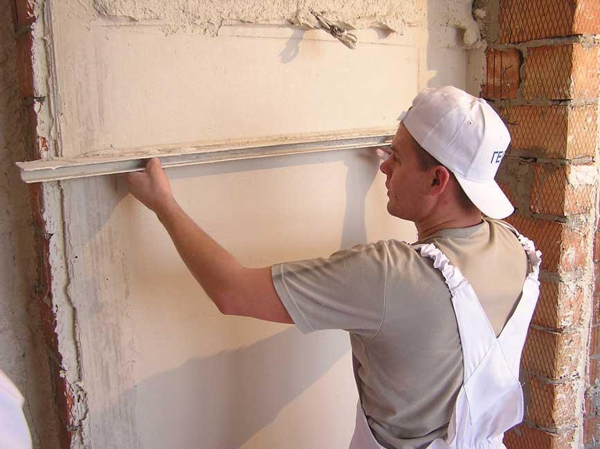 Как отштукатурить стену самостоятельно?