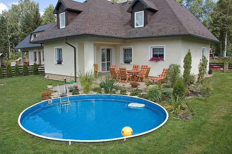Какой бассейн выбрать для дачного участка?