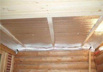 Необходимость и специфика утепления потолка в бане