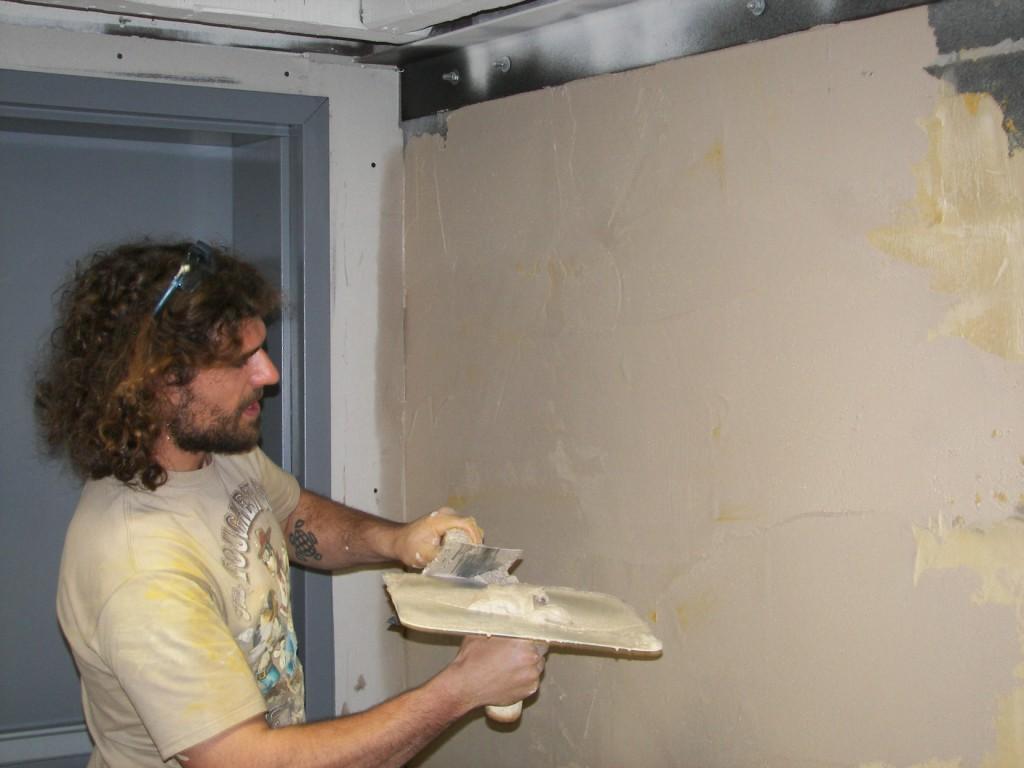 Отделка стен с помощью сухой штукатурки