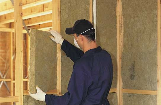 Внутреннее и наружное утепление деревянного дома