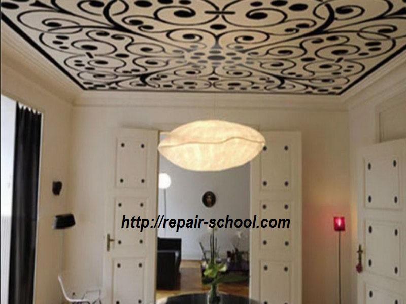фото натяжного тканевого потолка в гостиной