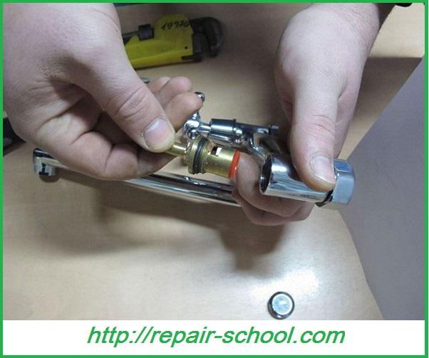 Ремонт смесителя для ванной своими руками