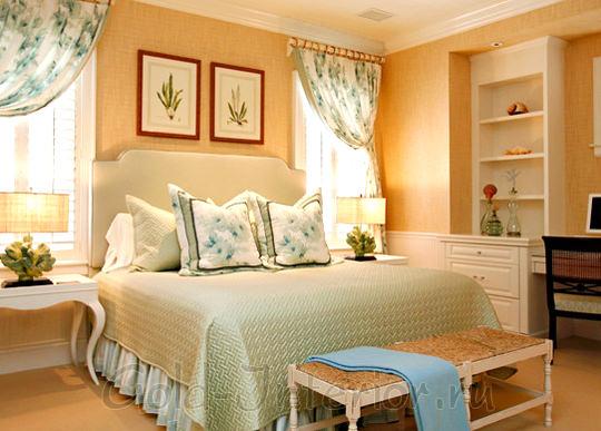 Персиковый, ванильный и бежевый цвета в декорировании спальни
