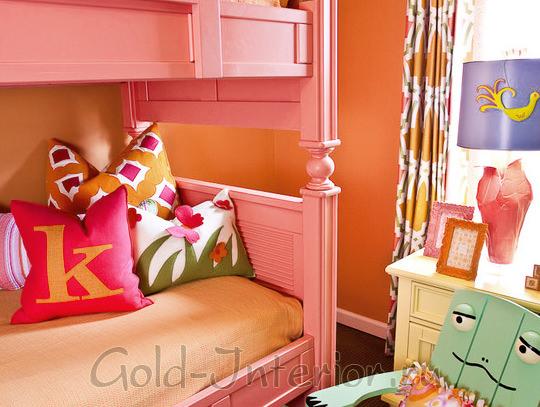 Оранжевый и розовый цвета в интерьере детской комнаты