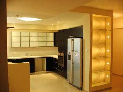 Все кухонные принадлежности в порядке разместятся в кухонном шкафу из гипсокартона