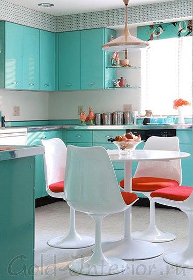 Интерьер кухни 10 кв м: красный + бирюзовый