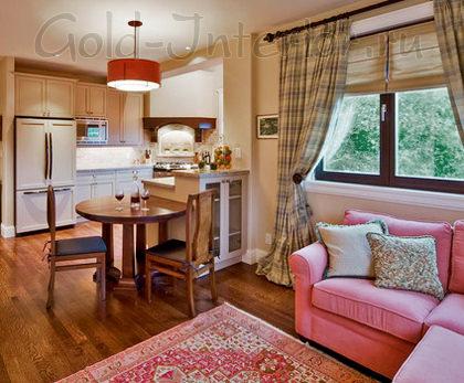 Розовый и коричневый цвет + ковёр - как разделители кухни и гостиной
